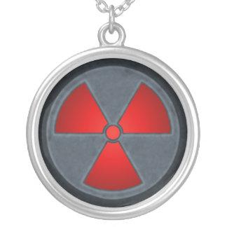 Collar rojo y gris del símbolo de la radiación