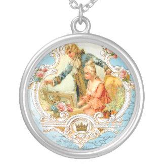 Collar romántico de Marie Antonieta del amor