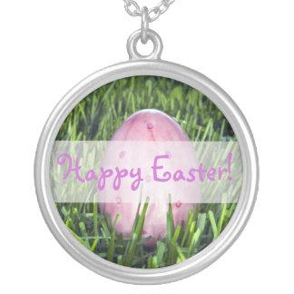 Collar rosado bonito del día de fiesta del huevo d
