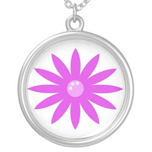 Collar rosado de la flor