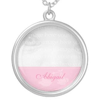 Collar rosado de la plata de la foto del bebé de l