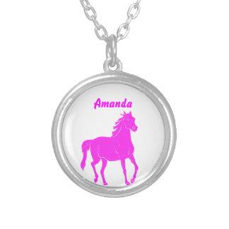 Collar rosado del caballo con nombre