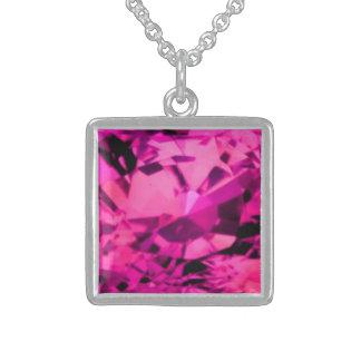 Collar rosado del zafiro
