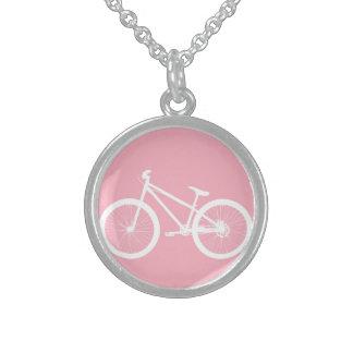Collar rosado y blanco de la bicicleta del vintage