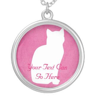 Collar rosado y blanco de la silueta del gato