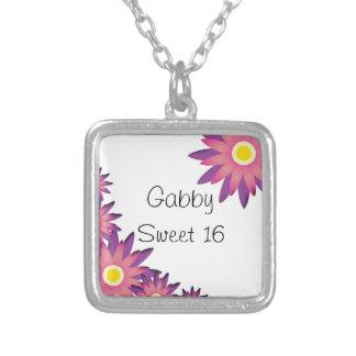 Collar rosado y púrpura del dulce 16 de las flores