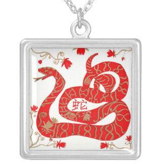 Collar serpiente china del Año Nuevo