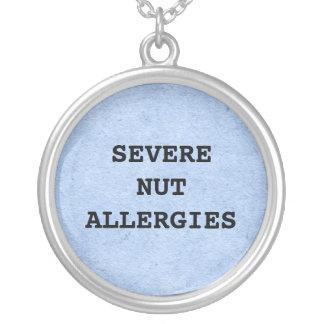 Collar severo de las alergias de la nuez
