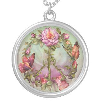 Collar usable del arte de los rosas de la paz