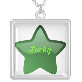 collar verde de la estrella de la suerte