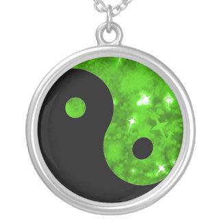 Collar verde de Yin yang