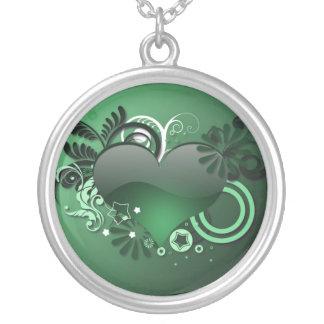 collar verde del corazón