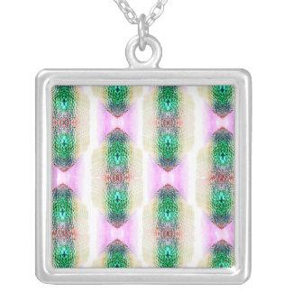 Collar verde rosado de la piedra preciosa del
