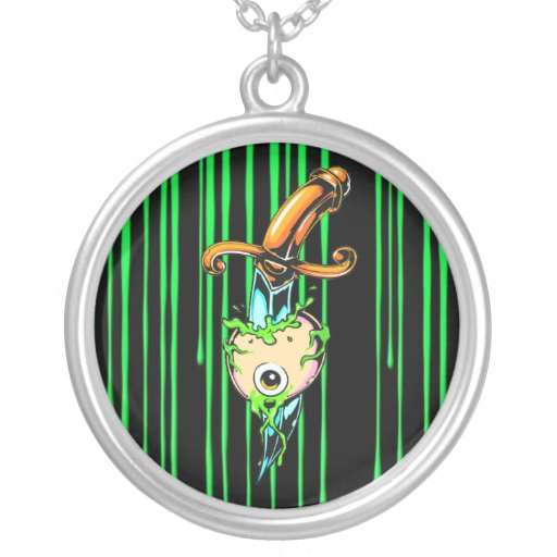 Collar verde sangriento de la daga