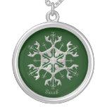 Collar verde y de plata del copo de nieve
