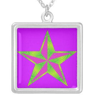 Collar verde y púrpura de la estrella
