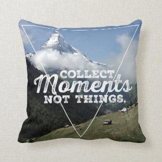 Collect momento not Things - cuerno de laso Cojín Decorativo