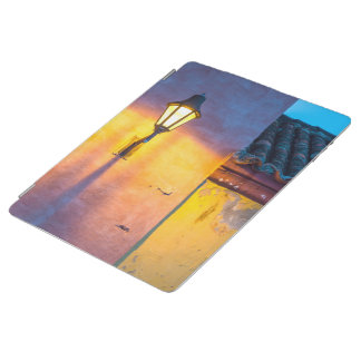 Colonial Light Street iPad Cover