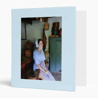 Colonial Maid 3 Ring Binder