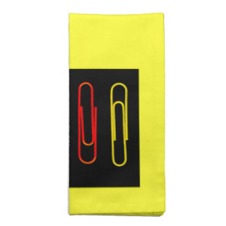 coloorful paper clips napkis to match placemats! cloth napkin