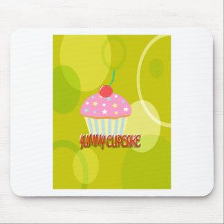Color amarillo dulce de la magdalena deliciosa alfombrilla de raton