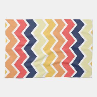 Color anaranjado y azul de los diseños geométricos toallas de mano