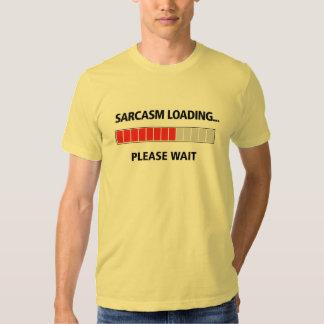 Color claro del cargamento del sarcasmo remeras