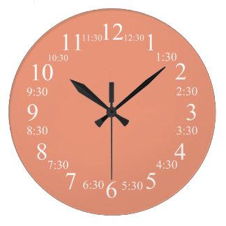 Color clásico de color salmón oscuro hecho juego relojes