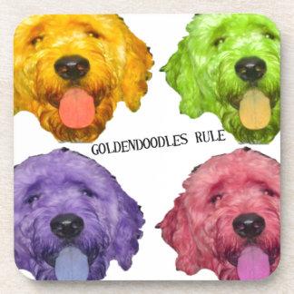 Color de la regla 4 de Goldendoodles Posavasos