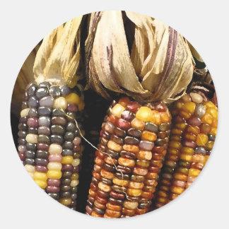 Color de maíz pegatina redonda