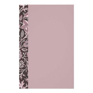 Color de malva floral y chocolate papeleria