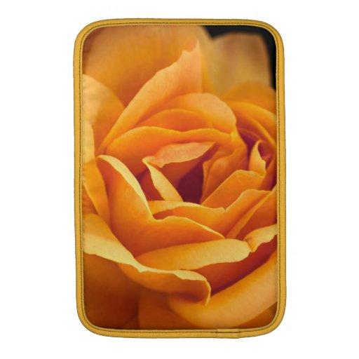 Color de rosa amarillo-naranja brillante funda  MacBook