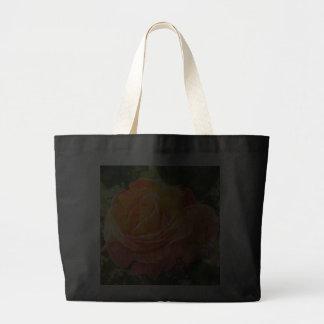 Color de rosa anaranjado bolsa tela grande