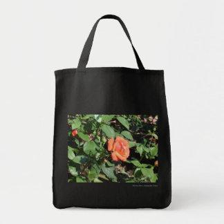 Color de rosa anaranjado oscuro bolsa tela para la compra