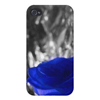 Color de rosa azul en fondo de la plata del lado i iPhone 4 carcasas