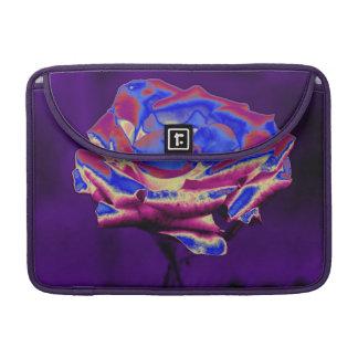 Color de rosa azul en púrpura fundas para macbook pro