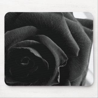 Color de rosa blanco y negro alfombrilla de ratón