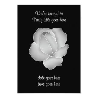 Color de rosa gris pálido bonito en negro todo el invitación 12,7 x 17,8 cm