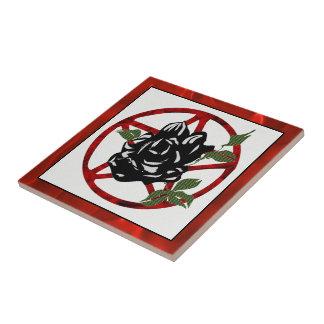 Color de rosa negro y Pentagram Azulejo Cuadrado Pequeño