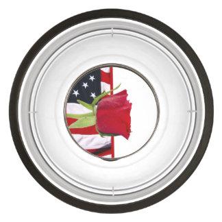 Color de rosa patriótico cuenco para mascotas