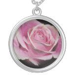 Color de rosa rosado bonito grimpolas personalizadas