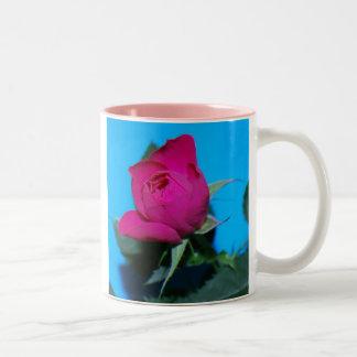 Color de rosa rosado bonito taza