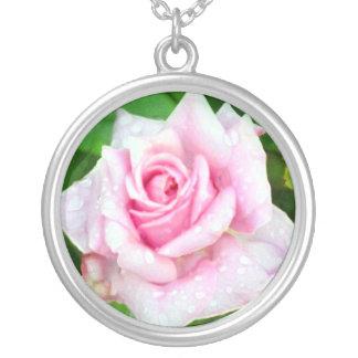 Color de rosa rosado colgante personalizado