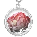 color de rosa rosado collar personalizado