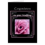 Color de rosa rosado de la enhorabuena del boda de tarjeton