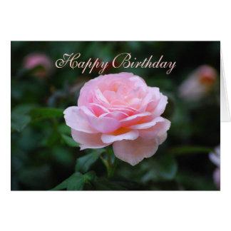 Color de rosa rosado delicado del feliz cumpleaños tarjeta de felicitación
