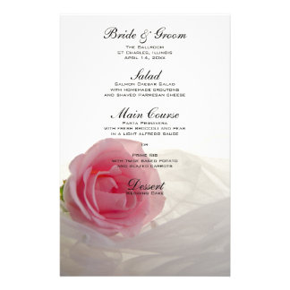 Color de rosa rosado en el menú blanco del boda  papeleria