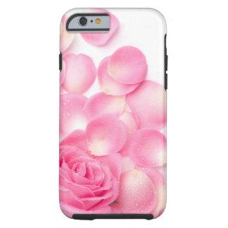 Color de rosa rosado hermoso con los pétalos funda de iPhone 6 tough