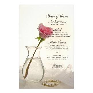 Color de rosa rosado y perlas que casan el menú papelería de diseño