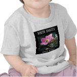 Color de rosa salvaje de Dakota del Norte Camiseta